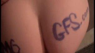سكس ساخن ابيض محلية الصنع في سن المراهقة الفيديو الإباحية